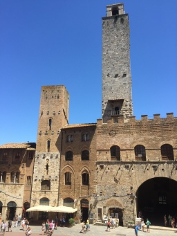 Join me in…San Gimignano