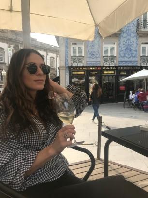 More wine now plz